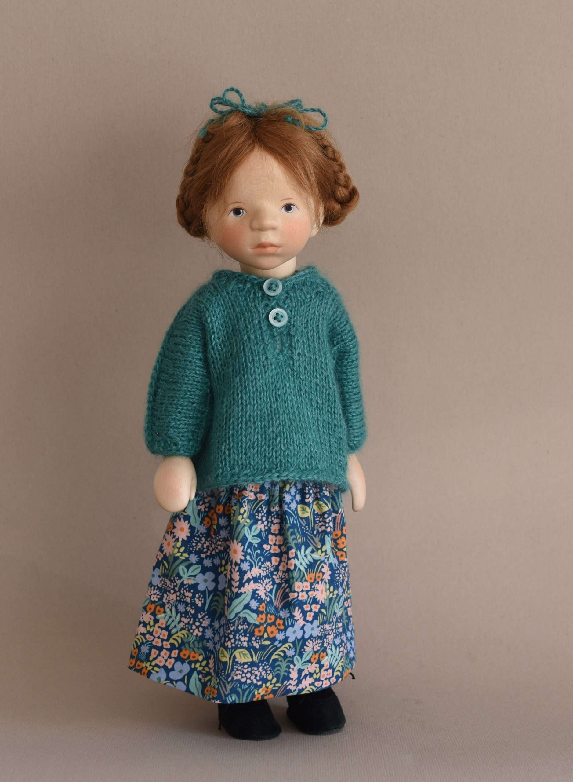 Wooden doll H374
