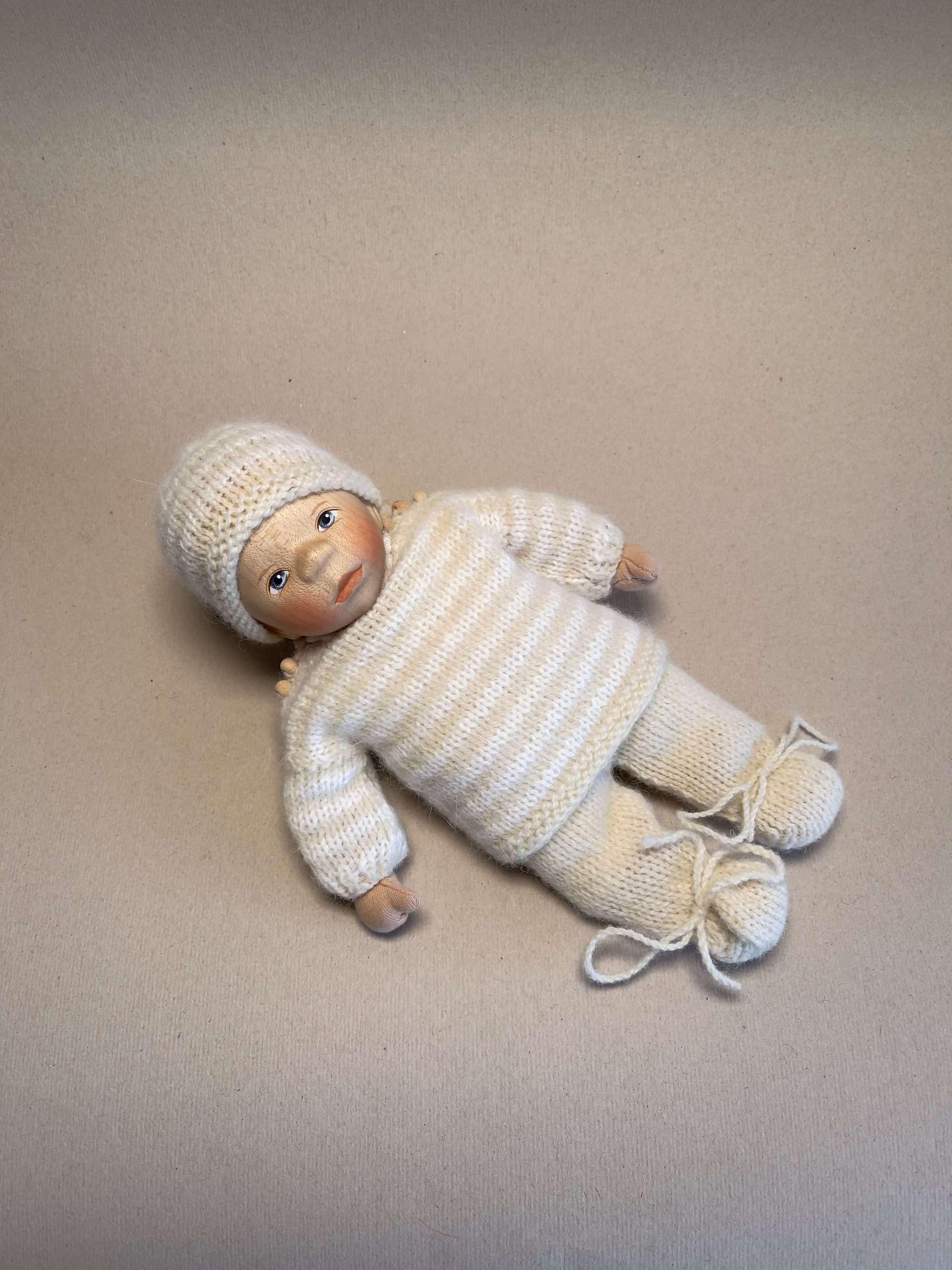 Babypuppe M025