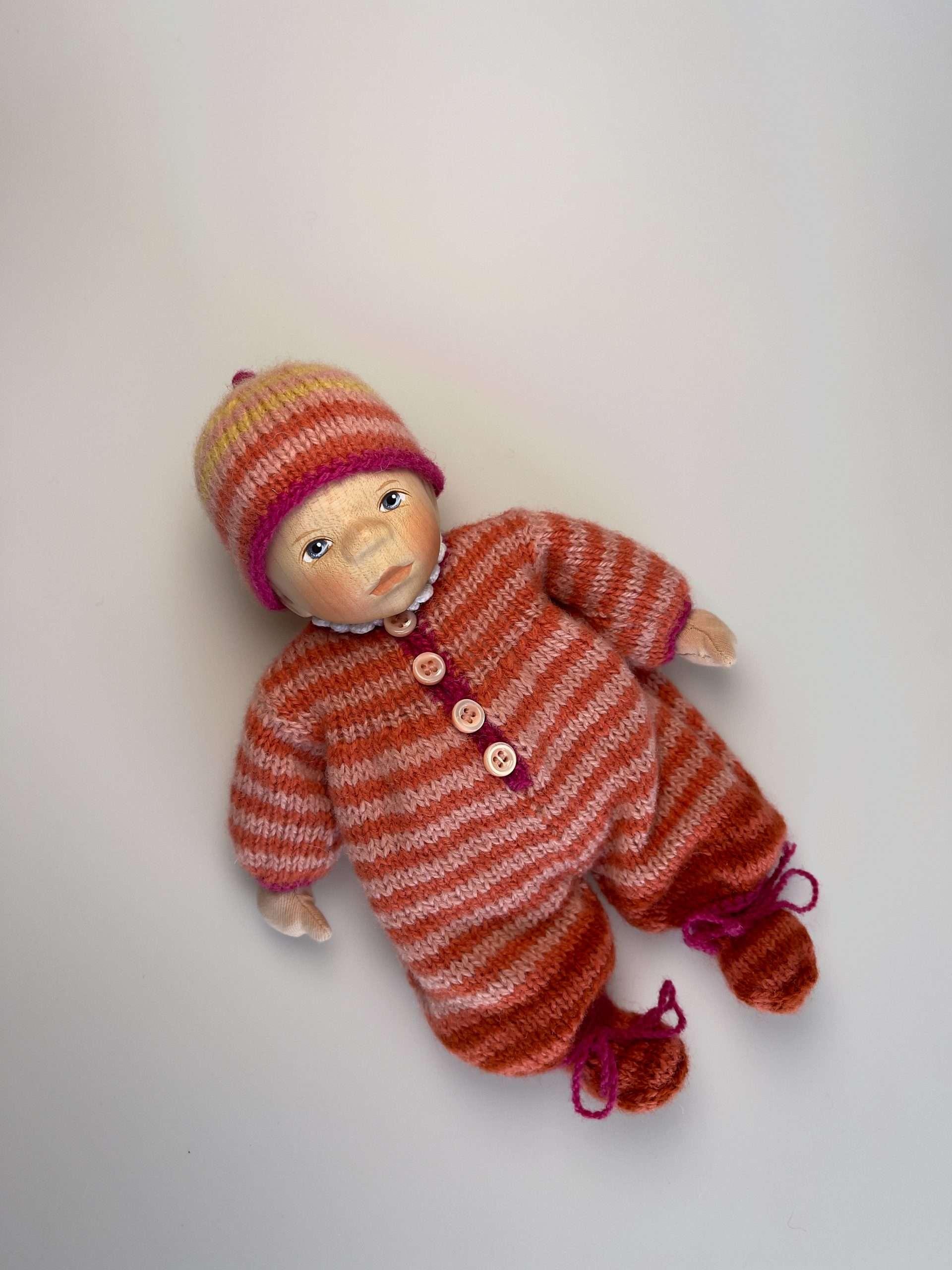 Babypuppe M050