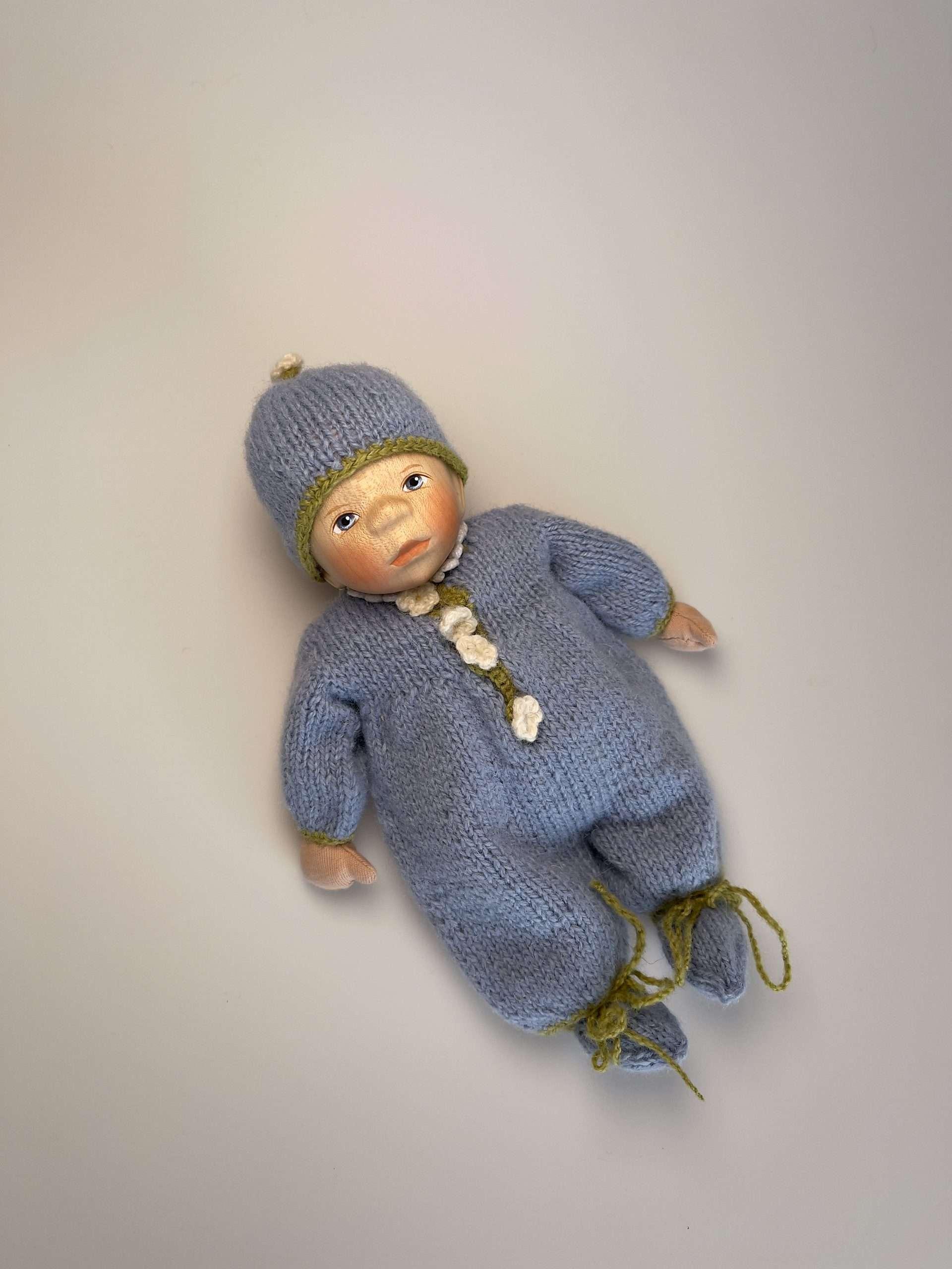 Babypuppe M053