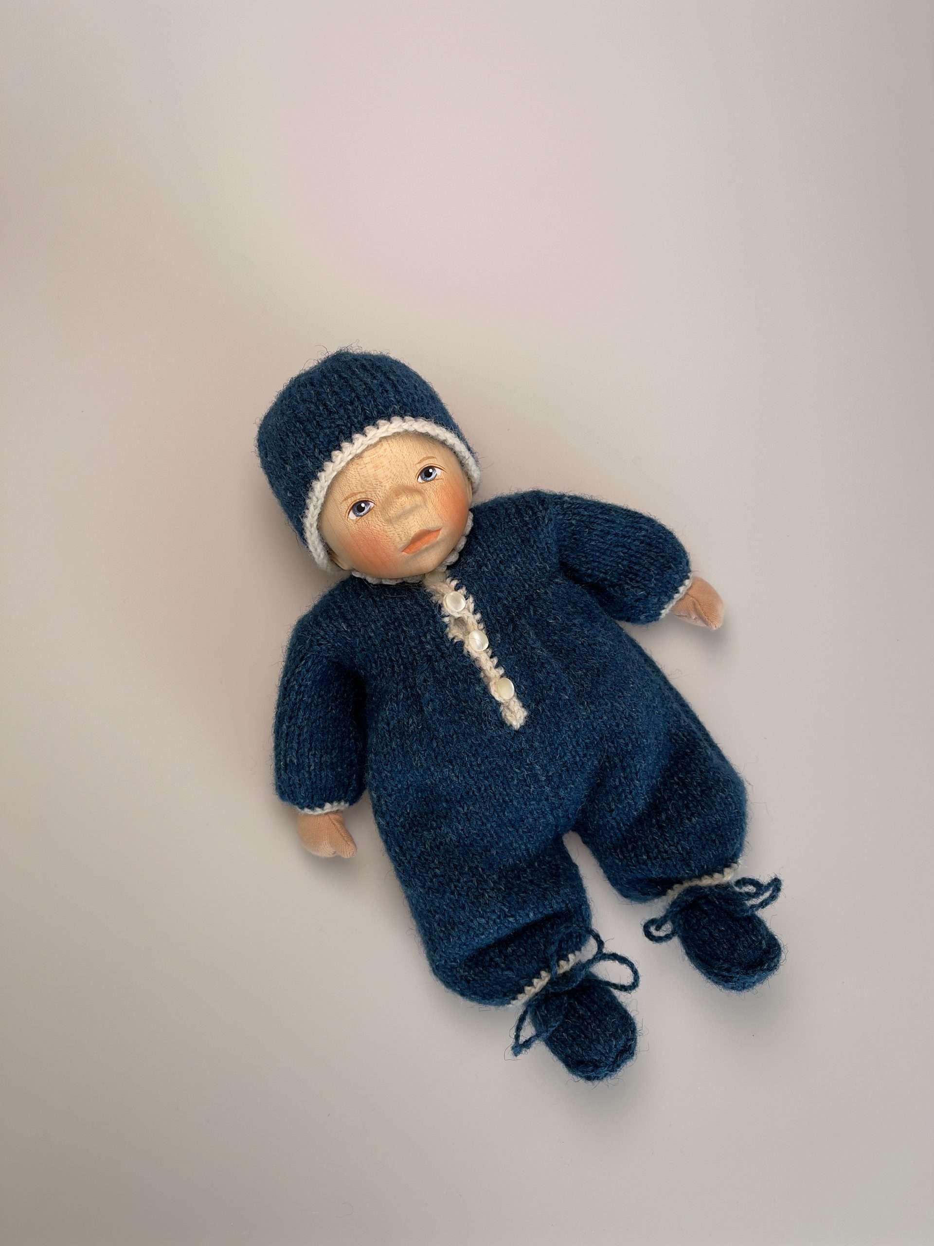 Babypuppe M057